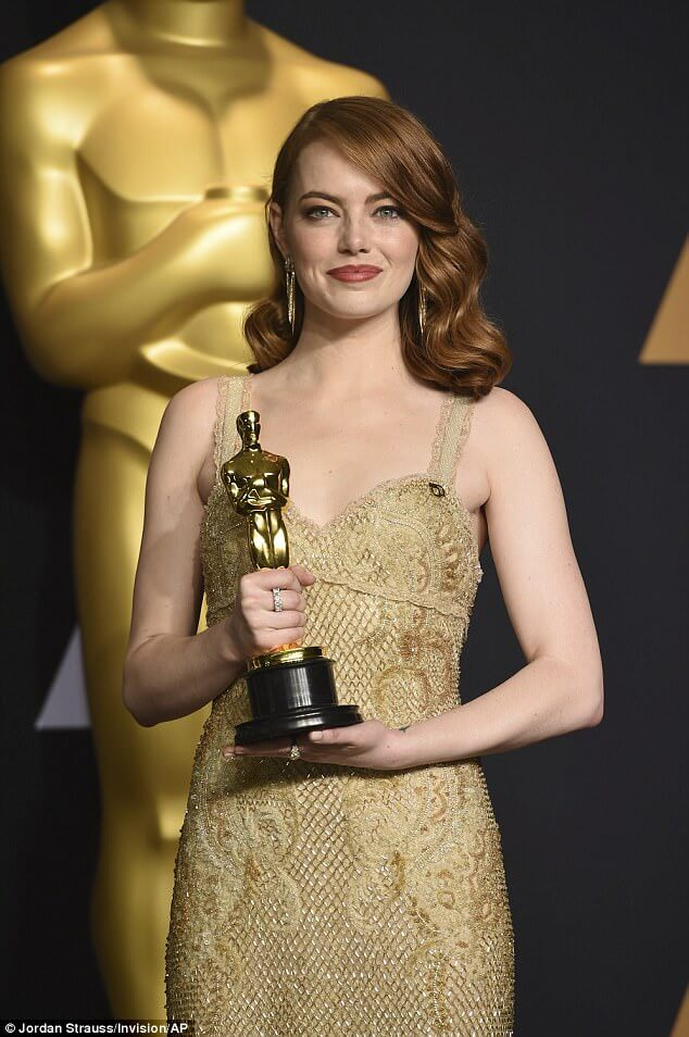 15B659AB00000514 4796680 image a 16 1502922973708 - Emma Stone Net Worth