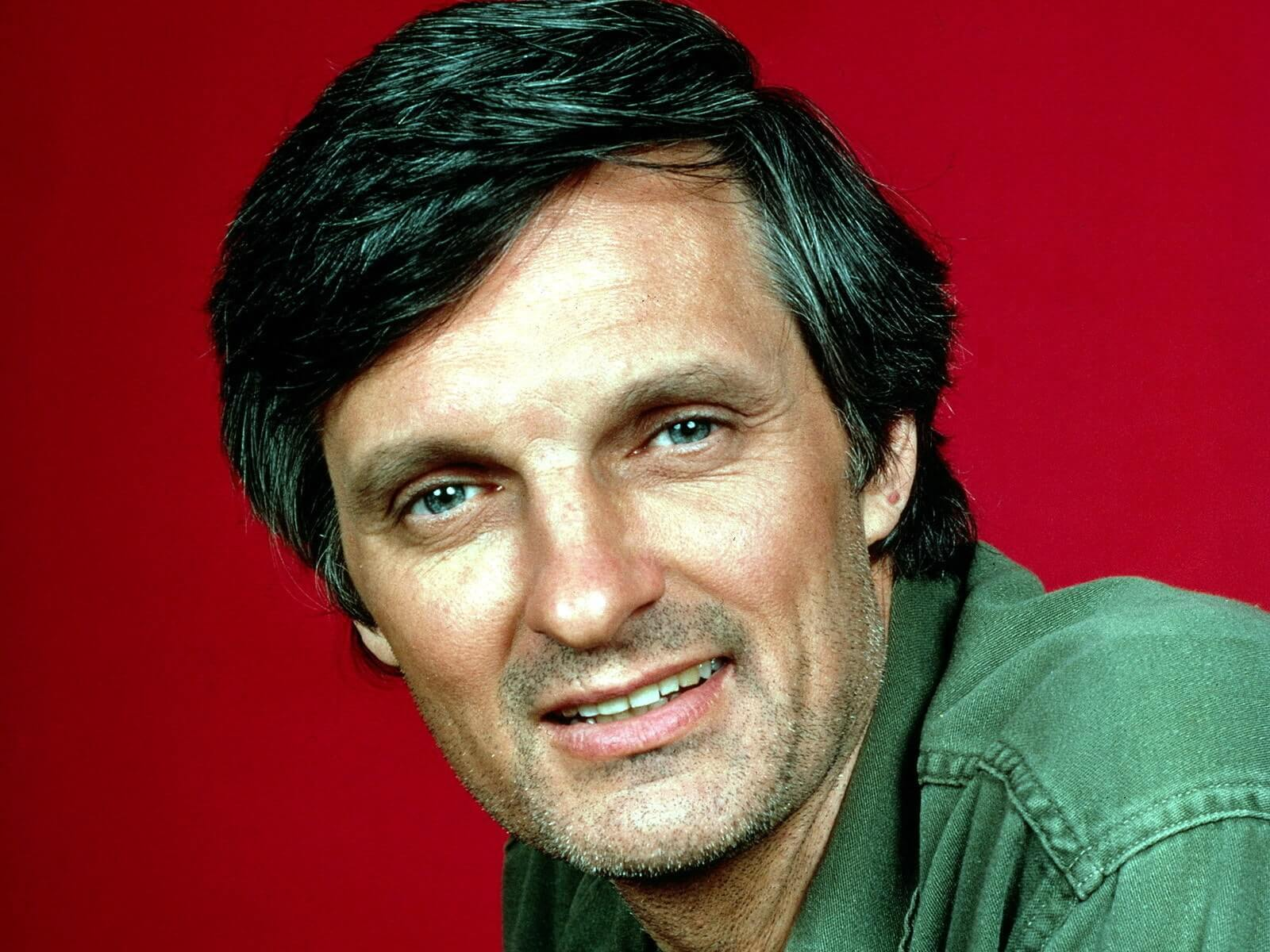 1 Alan Alda - Alan Alda Net Worth