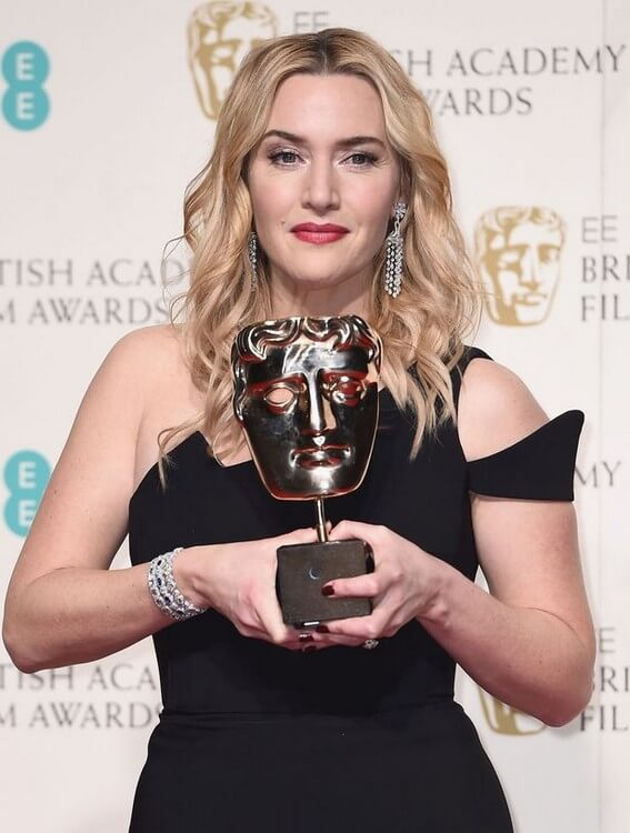 awards 8 - Kate Winslet Net Worth