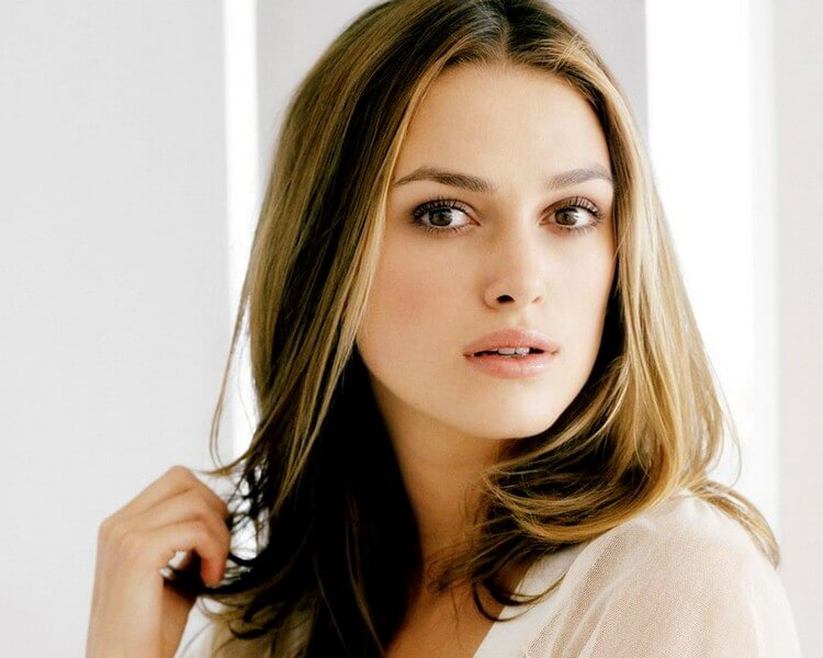 bio 1 4 - Keira Knightley Net Worth