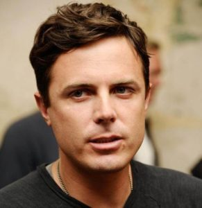 casey affleck 3 291x300 - Casey Affleck Net Worth