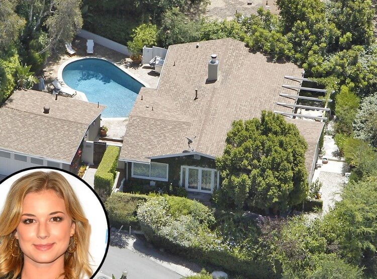 house 10 - Emily VanCamp Net Worth