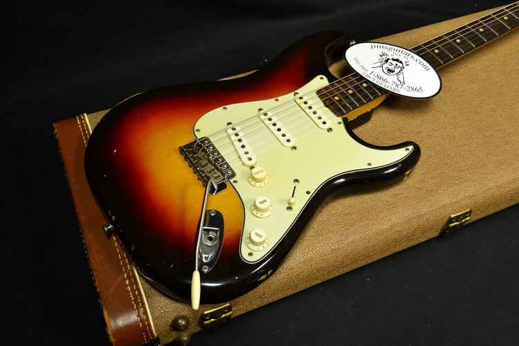 Bob Dylan's 1964 Fender Stratocaster 965000 - Top Most Expensive Guitars in the World 2018