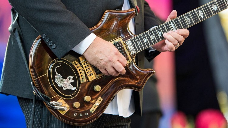 """Jerry Garcia's """"Tiger"""" 957500 - Top Most Expensive Guitars in the World 2018"""