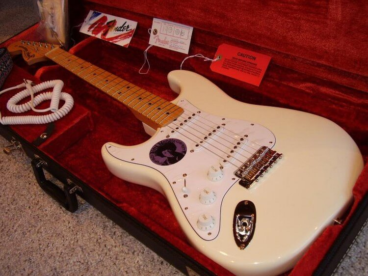 Jimi Hendrix's 1968 Fender Stratocaster 2 Million - Top Most Expensive Guitars in the World 2018