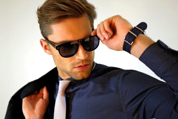 018fe5fcfbe Top 8 Most Expensive Glasses in the World 2018  Expensive Sunglasses for  Men - Thelistli