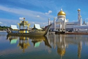 Istana Nurul Iman Bandar Seri Begawan Brunei 300x201 - Largest Palaces in the World : Largest Residential Palaces