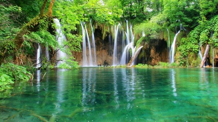 Plitvice Lakes National Park Croatia - Most Beautiful Places in the World to Visit in 2019