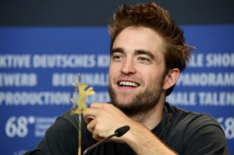 Robert Pattinson 4 - Top 10 Most Famous Celebrities in the World