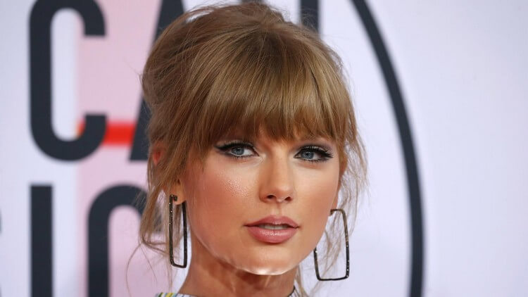 Taylor Swift 2 - Top 10 Most Famous Celebrities in the World